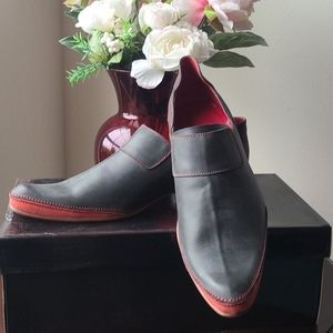 New Handcrafted leather. men's shoes size 9.